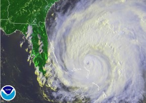 Hurrican-Irene-Infared-Cloud-August-26-2011-290x205