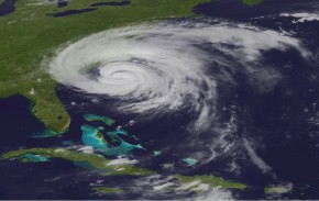 Hurricane-Irene-August-26-1015-PM-EST-290x183