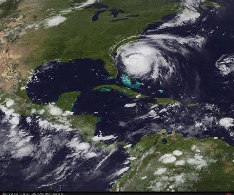 Latest-Nasa-Satellite-Image-Of-Hurrican-Irene-6-AM-August-26