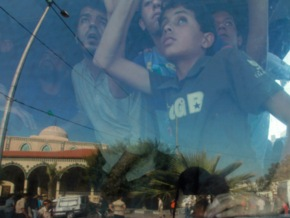 Non-intervention-Policy-Hundreds-Watch-As-Dozens-Of-Jewish-Youths-Attack-Palestinians