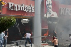 Protestors Torch KFC In Tripoli, Lebanon (VIDEO, PHOTOS)