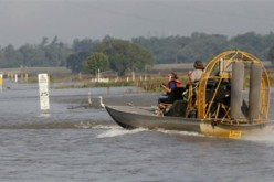 Mississippi River Floods Threaten Homes, Farms, Refineries in Louisiana