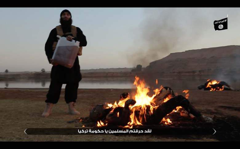 ISIS Burns Two Turkey Soldiers Alive